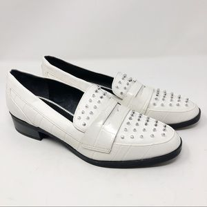 CIRCUS BY SAM EDELMAN WHITE STUD LOAFERS SZ 10